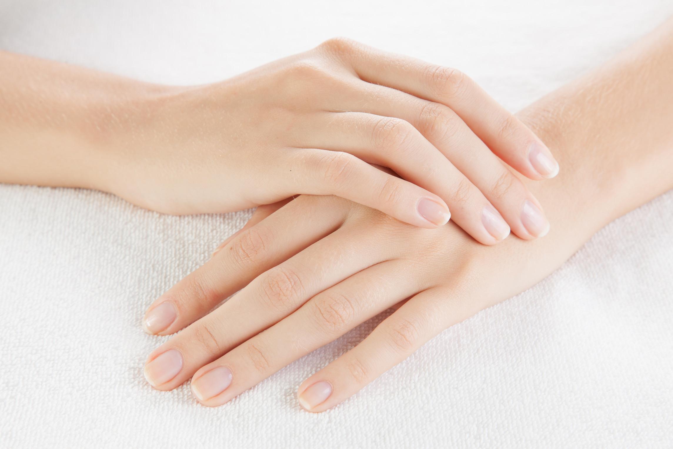 Glycolic Hand Resurfacing (Θεραπεία χεριών με οξέα)