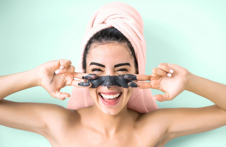 Οι πολυβραβευμένες  μάσκες που αξίζει να έχετε μαζί σας στις διακοπές...και όχι μόνο!